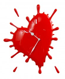 CRAZY HEART CLOCK Wall clock, color stain heart shaped.