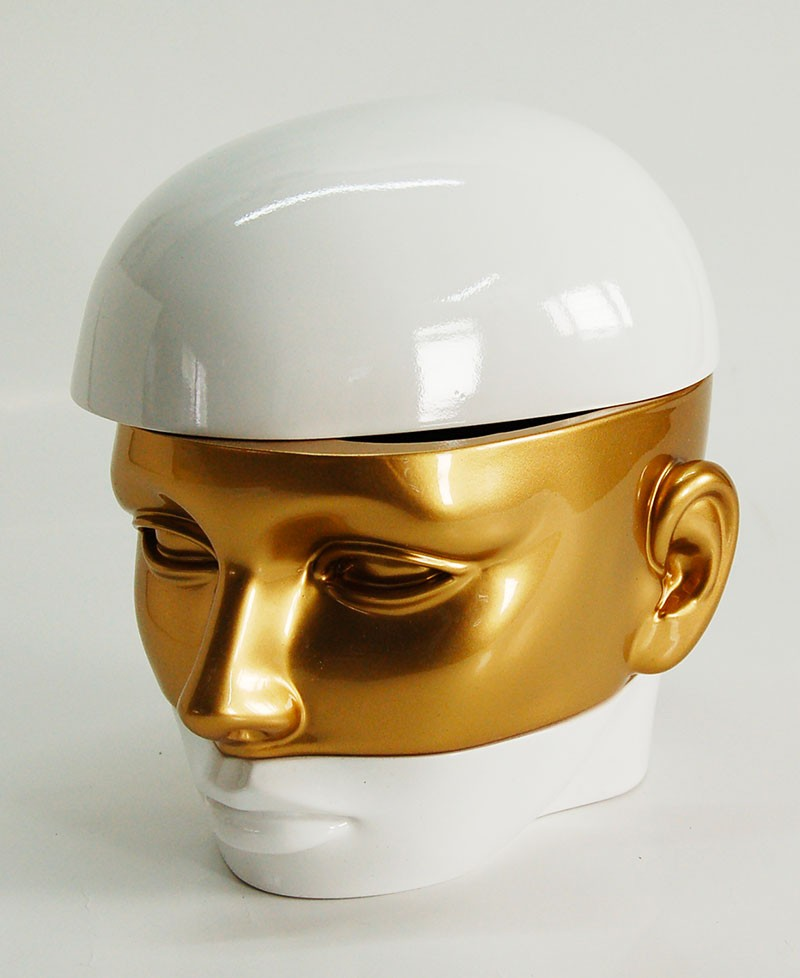 Miss è un box contenitore porta oggetti, ortagioie, porta trucchi, svuota tasche a forma di testa di donna. Antartidee