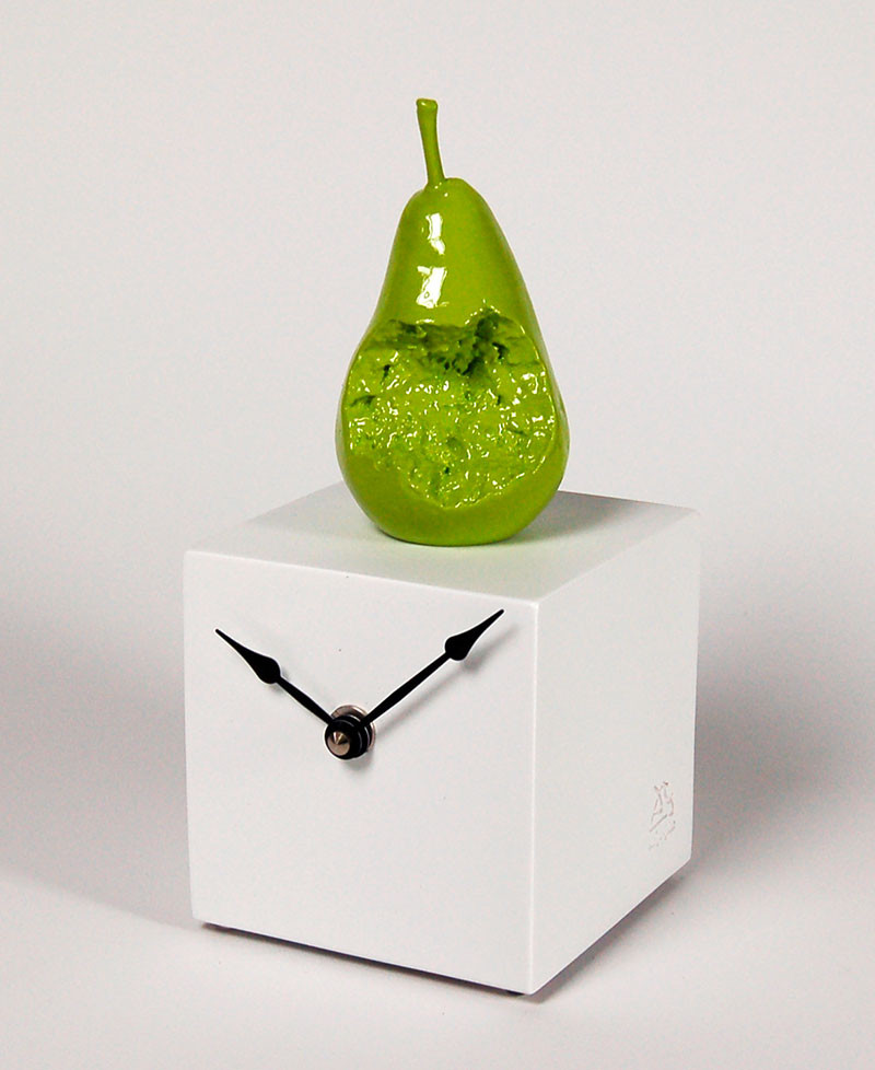 PEAR CUBE CLOCK