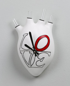 HEARTBEATS CLOCK LOVE, Wall clock in the shape of a human heart with the inscription LOVE. Antartidee