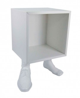 Tables Cube man bedside. Foot-shaped base with men's shoes